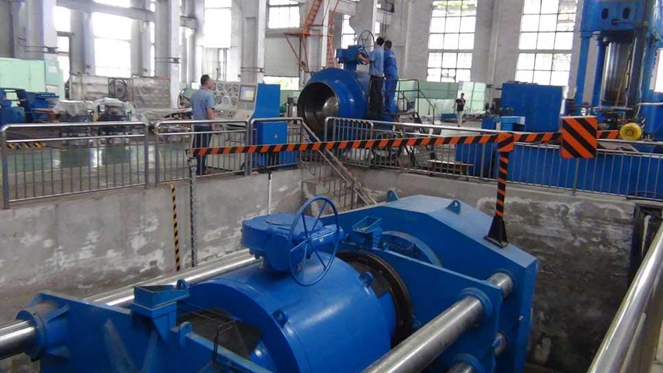3200吨卧式试压机